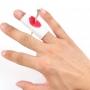 Faux clou dans le doigt avec bandage